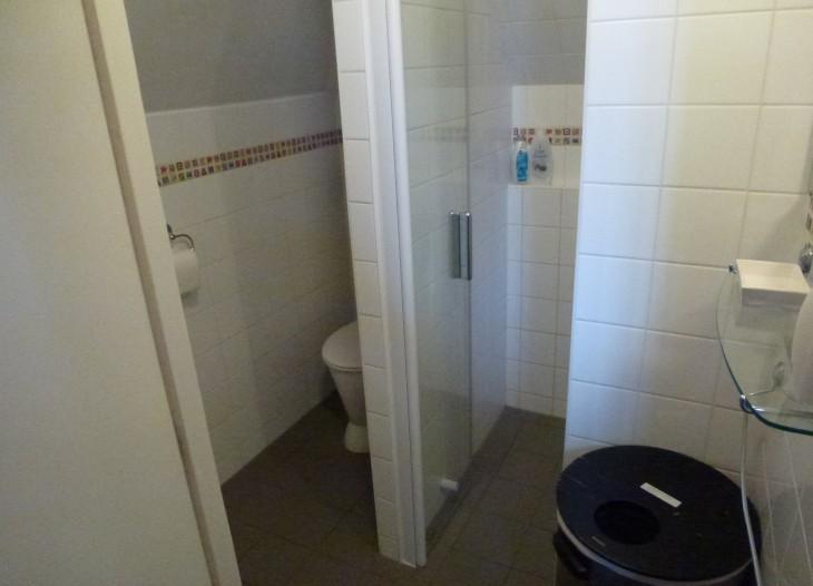villaria sharde bathroom
